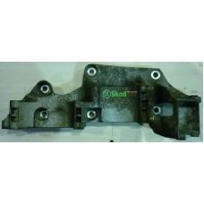 06A903143P Кронштейн крепления генератора компрессора кондиционера и насоса ГУР OCTAVIA TOUR
