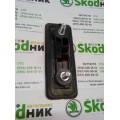 1Z0827574B Накладка кнопка ручки замка багажника Skoda Octavia A5