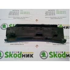 4B5971821B Направляющий элемент Skoda Superb