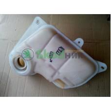 8D0121403L Бачок расширительный системы охлаждения двигателя